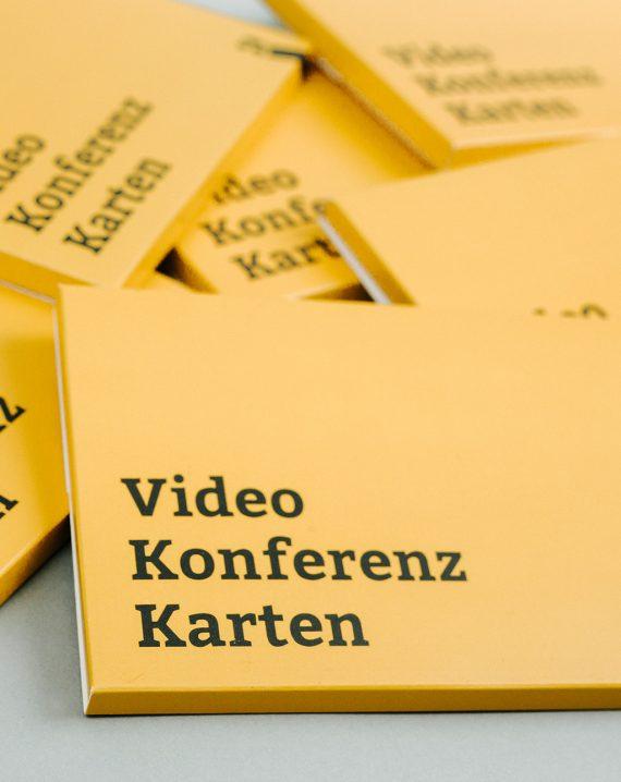 BR Videokonferenzkarten Steckmäppchen Deutsch übereinander liegend Hochformal